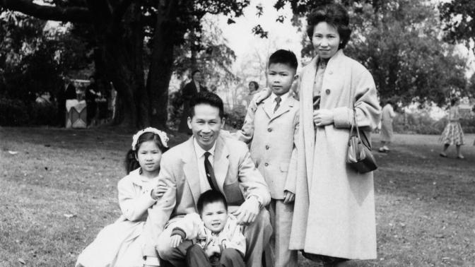 where-the-past-begins_pg-73_easter-1959---in-the-park-after-church-courtesy-of-amy-tan